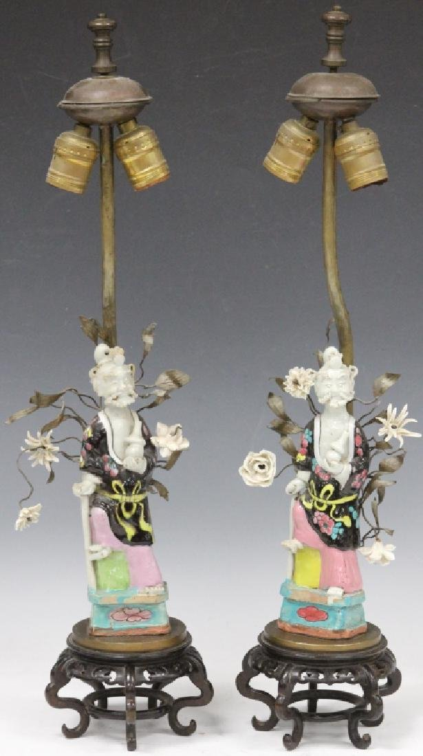 PAIR OF CHINESE FAMILLE VERTE PORCELAIN FIGURES