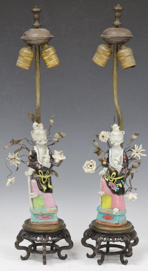 PAIR OF CHINESE FAMILLE VERTE PORCELAIN FIGURES - 2