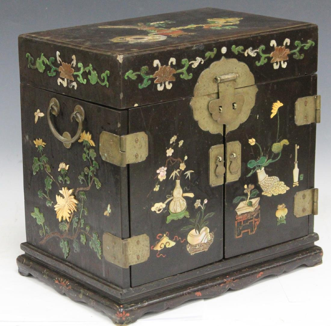 VINTAGE CHINESE LACQUERED BOX W/ CARVED HARDSTONE - 6