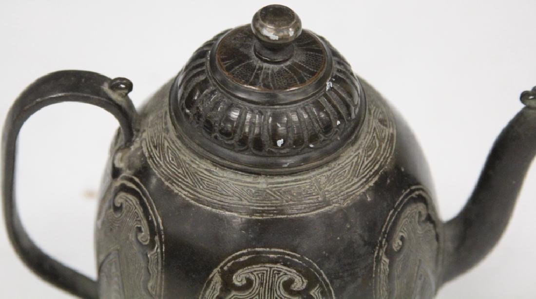 EARLY CHINESE ARCHAIC STYLE BRONZE TEAPOT - 2