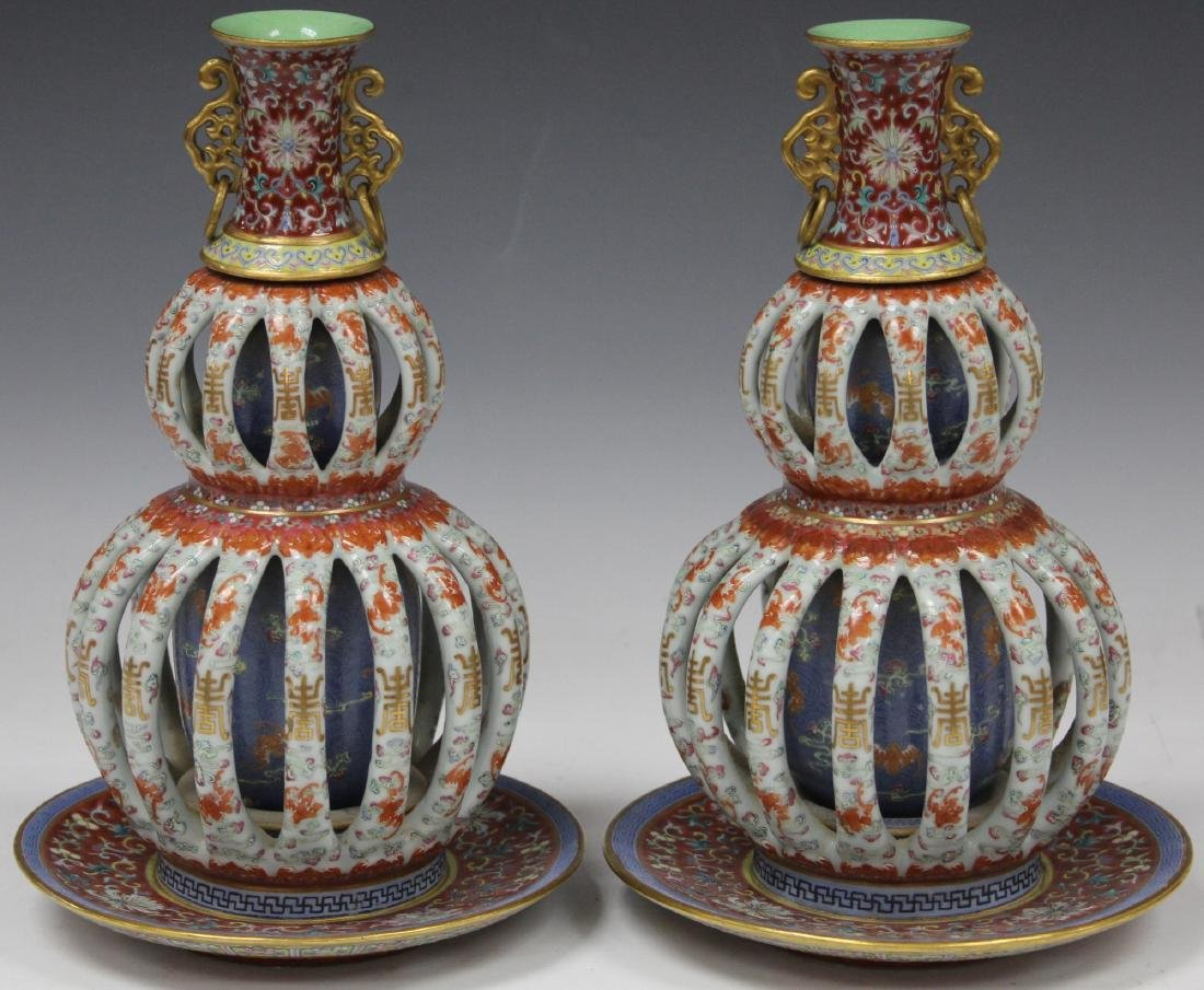 PAIR OF EARLY ROTATING PORCELAIN VASES JIAQING MARK - 2