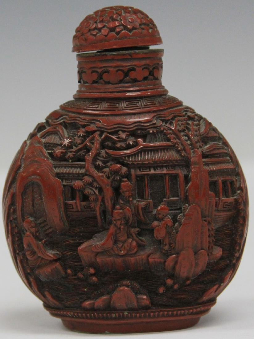 QING DYNASTY CARVED CINNABAR SNUFF BOTTLE - 2