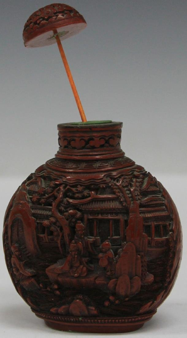 QING DYNASTY CARVED CINNABAR SNUFF BOTTLE - 4