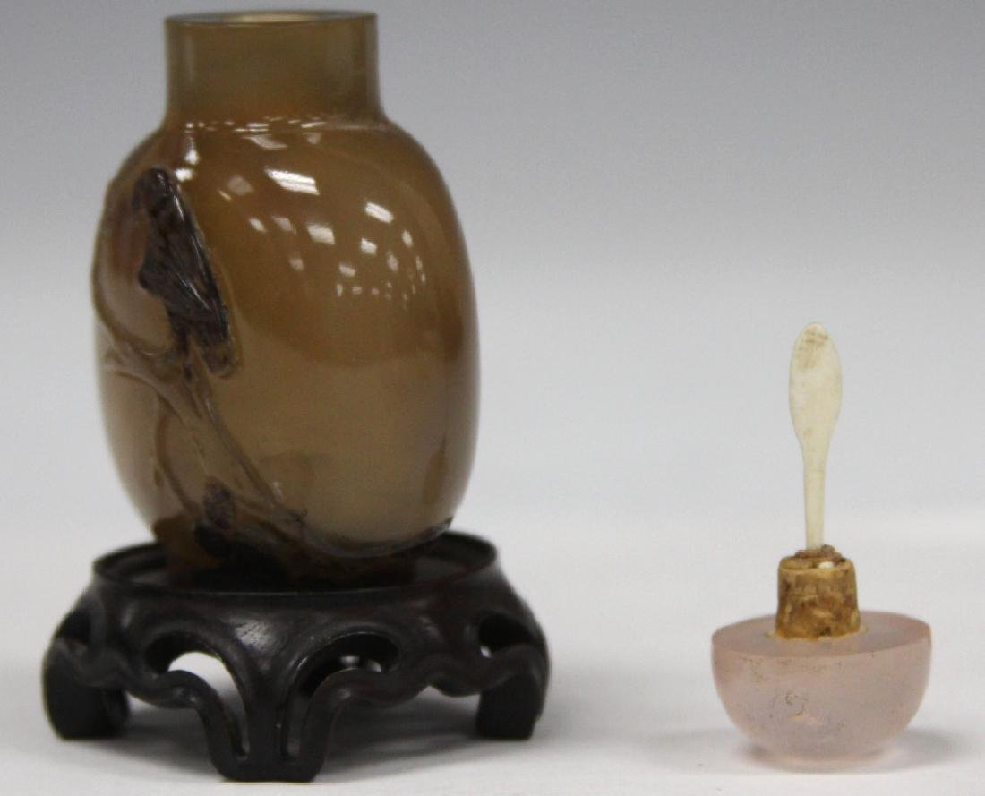 CHINESE CARVED AGATE SNUFF BOTTLE WITH BIRD - 3