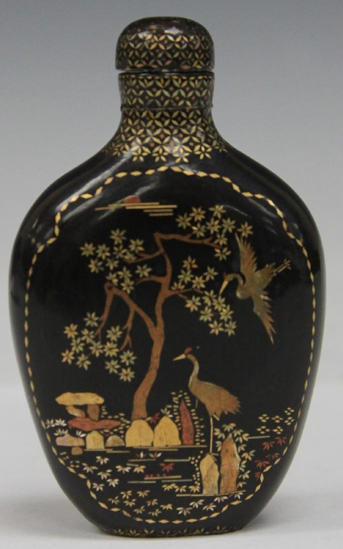 CHINESE BLACK LACQUERED PAINTED SNUFF BOTTLE - 2