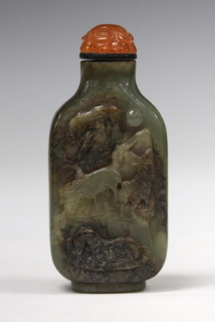 EARLY CHINESE CARVED JADE SNUFF BOTTLE