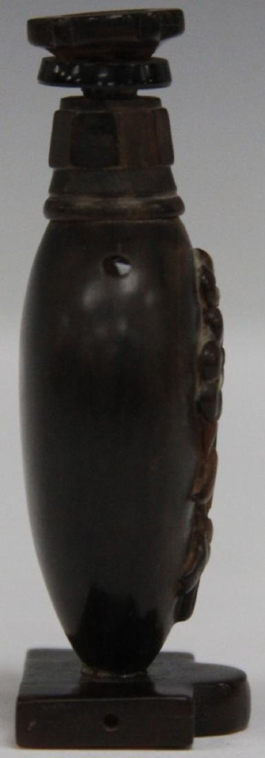 19TH C. CHINESE CARVED SNUFF BOTTLE - 3