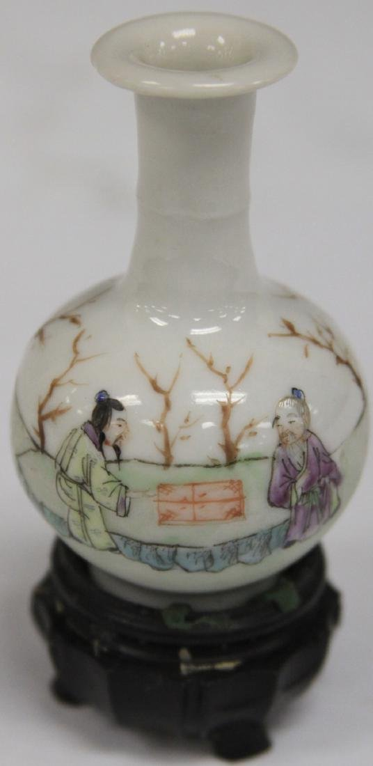 "REPUBLIC PERIOD PAINTED PORCELAIN VASE, 2 3/4"" H"