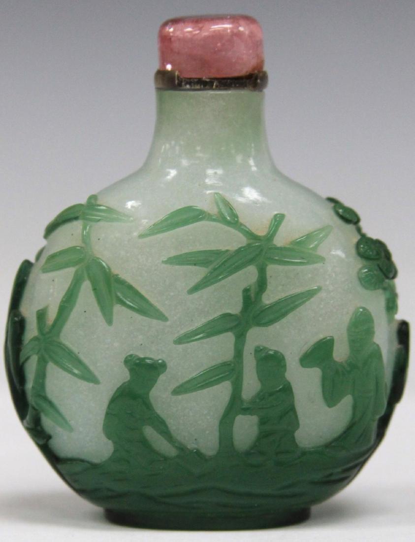 CHINESE PEKING GLASS SNUFF BOTTLE W/ ROSE QUARTZ - 2