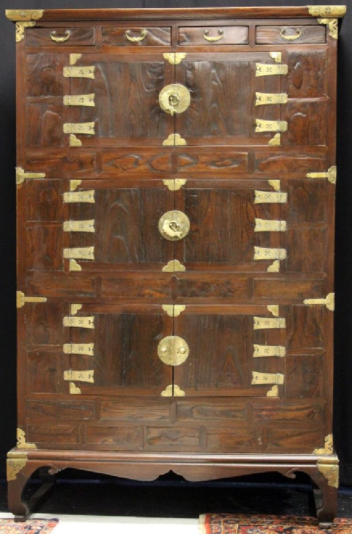19TH CENTURY KOREAN THREE-TIERED CHEST