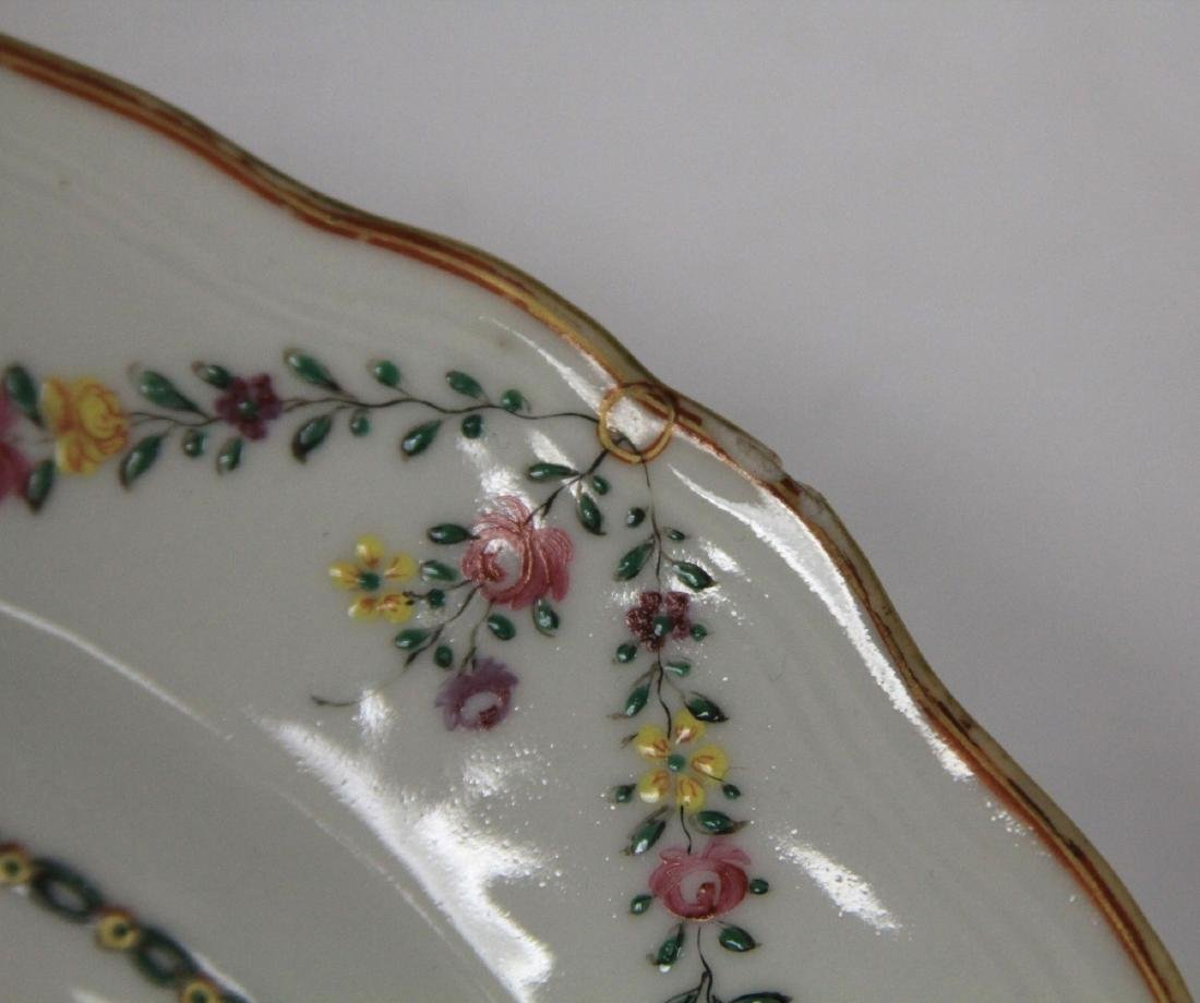 PAIR OF 18TH C. PORCELAIN EXPORT PLATES - 4