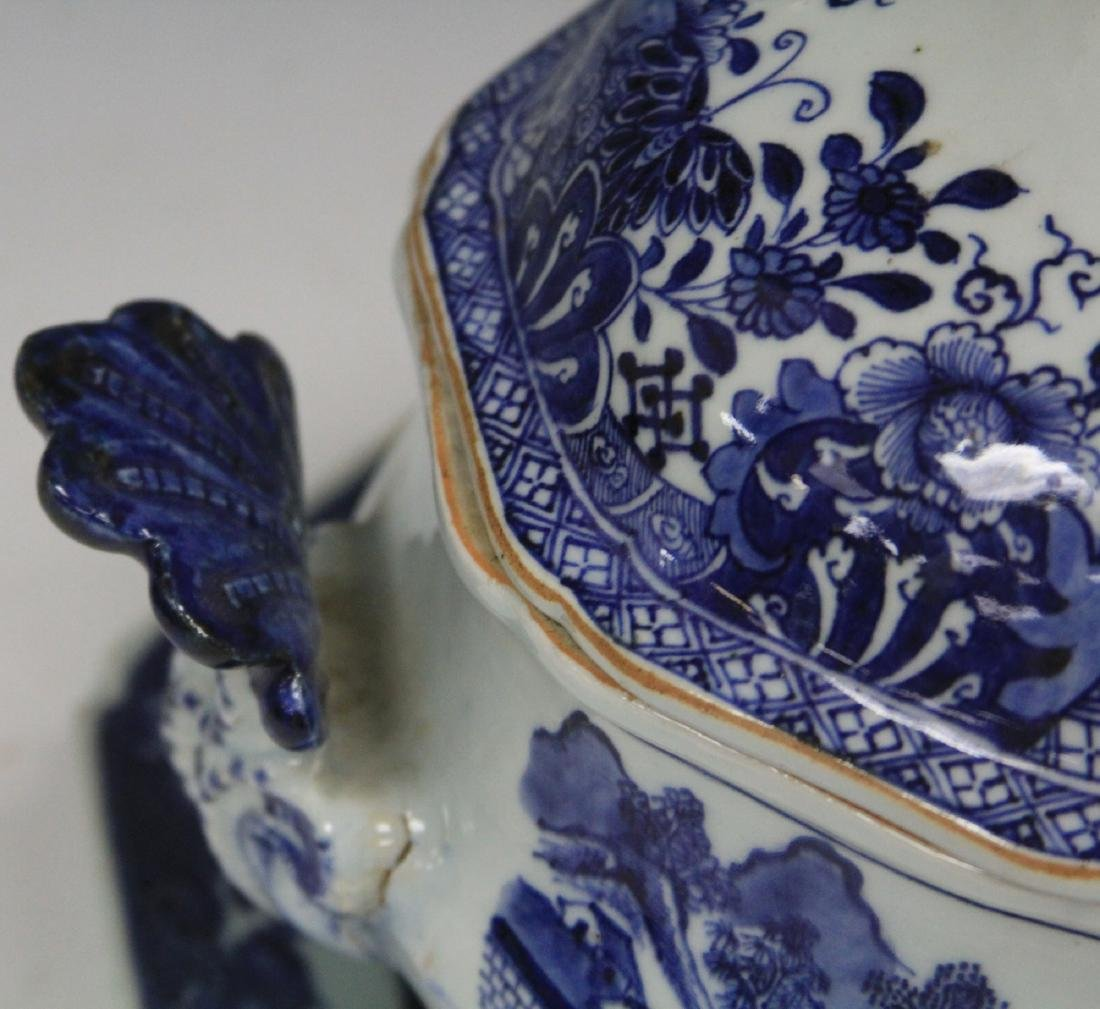 CHINESE EXPORT BLUE & WHITE PORCELAIN SOUP TUREEN - 2