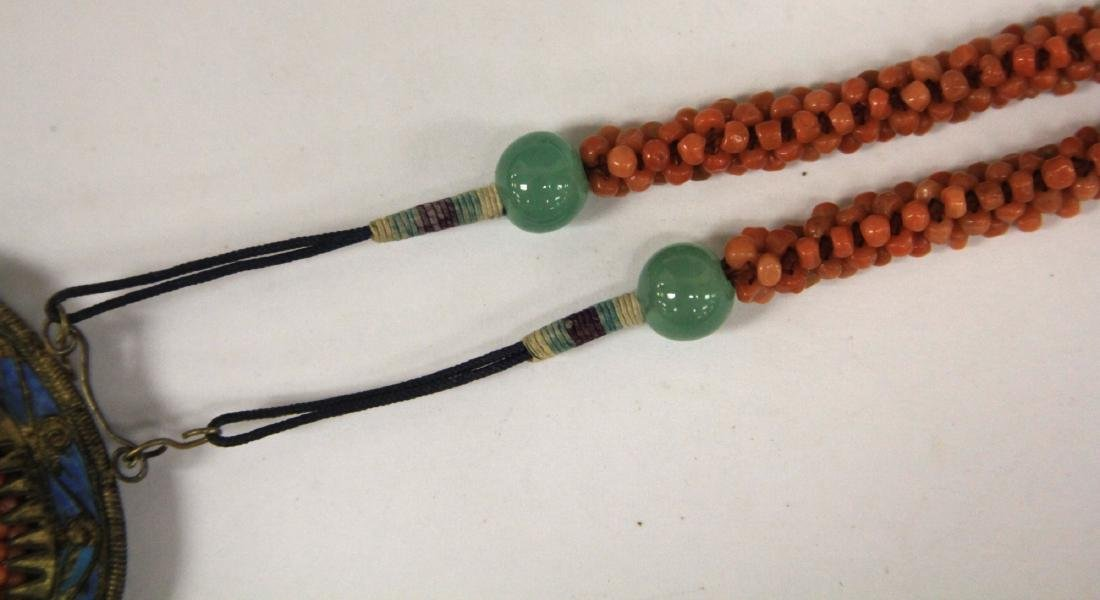 EARLY CHINESE BEADED CORAL NECKLACE - 3
