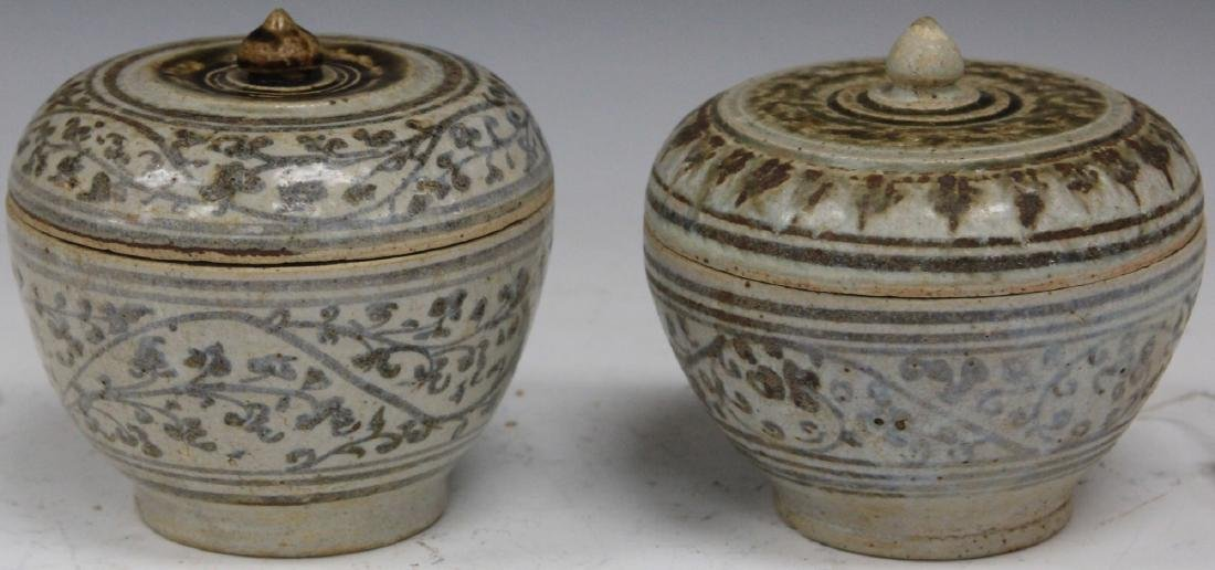 LOT OF (2) THAI SAWANKHALOK POTTERY URNS