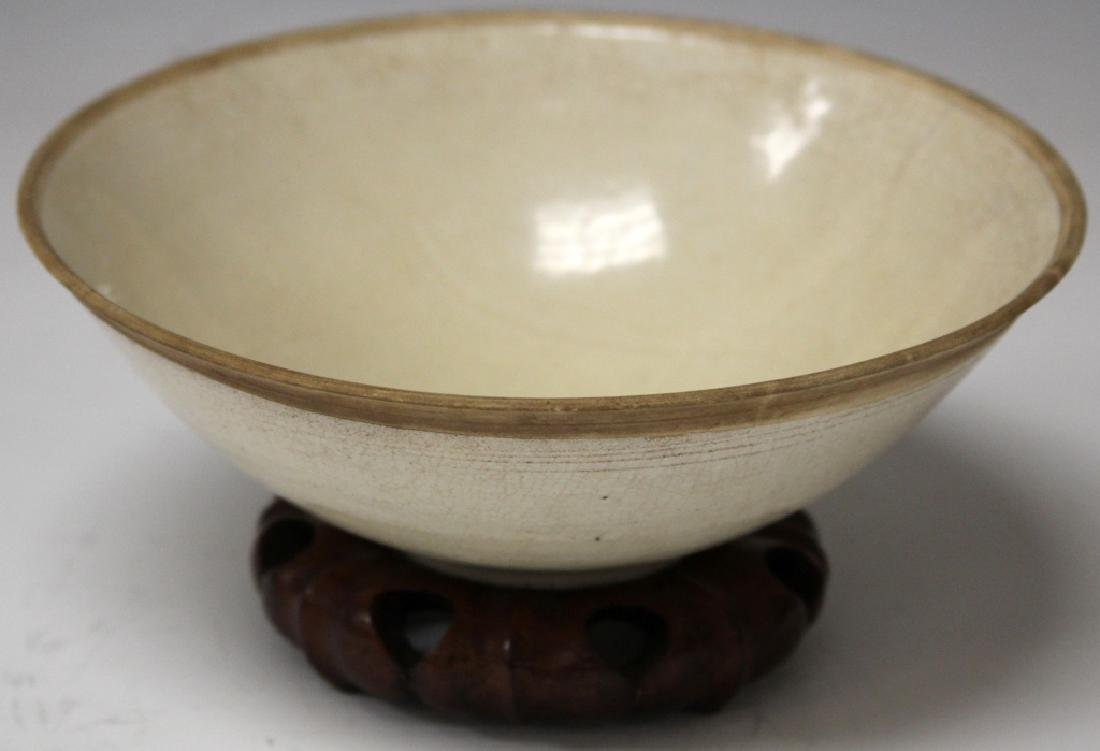 12TH C. CHINESE WHITE DINGYAO STYLE GLAZED BOWL