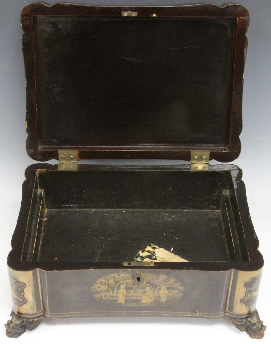 18TH C. CHINESE EXPORT LACQUERED FOOTED BOX - 2
