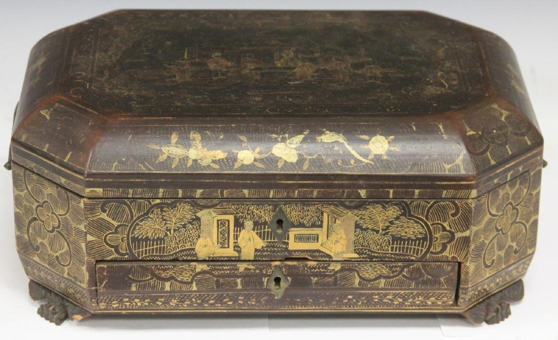 18TH C. CHINESE EXPORT LACQUERED BOX