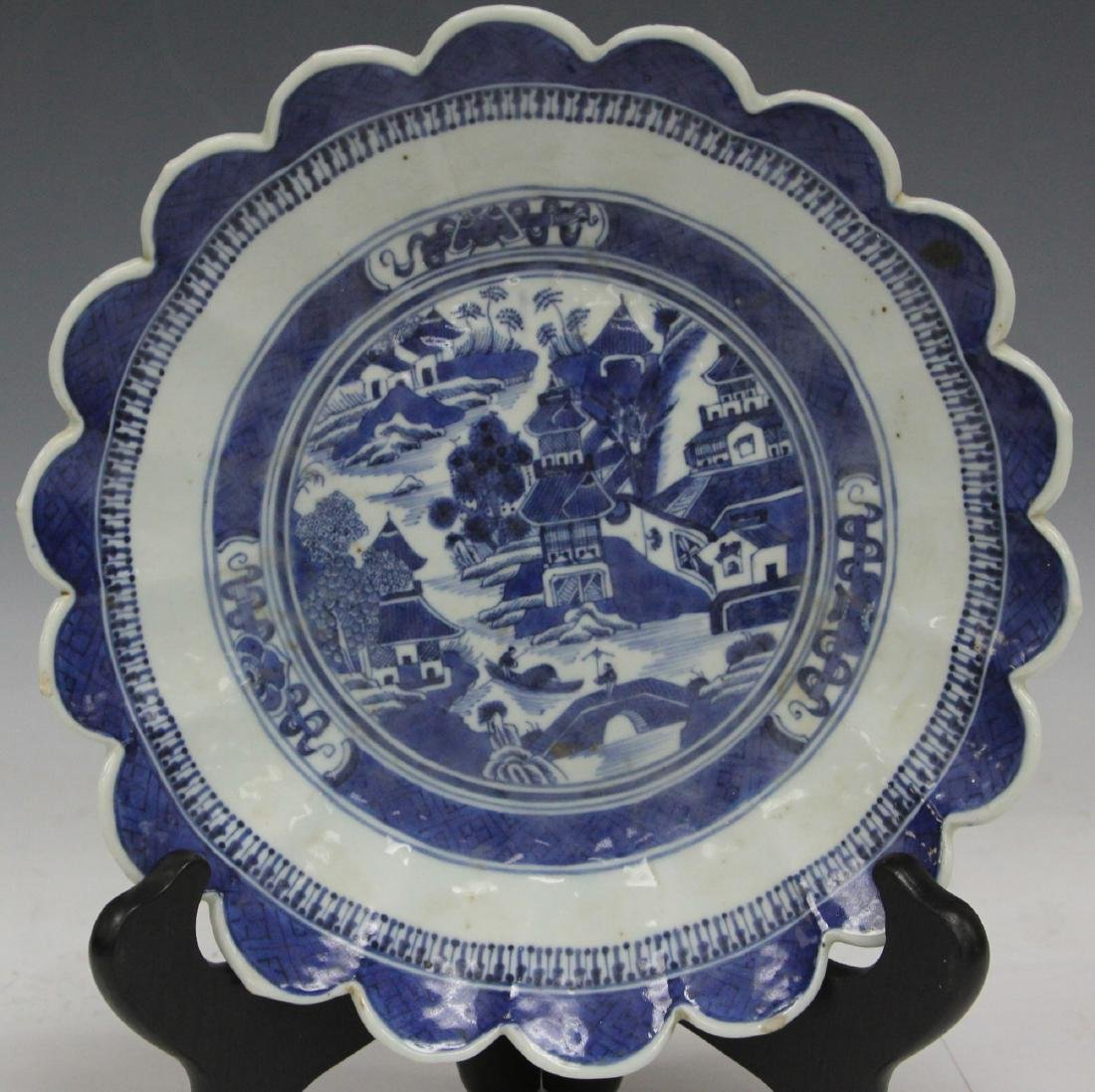 18TH C. CHINESE BLUE & WHITE PORCELAIN PLATE