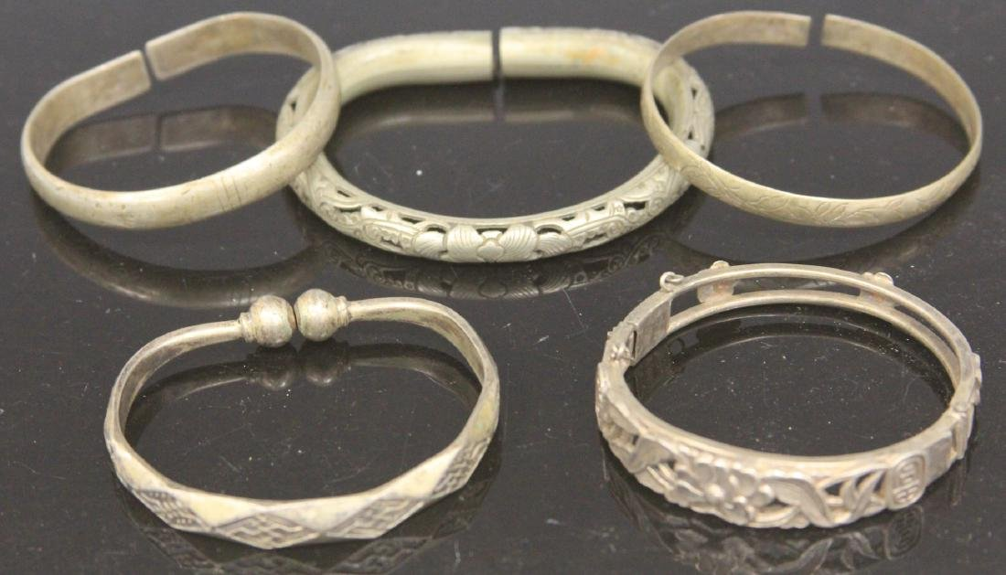 LOT OF (5) VINTAGE CHINESE SILVER BRACELETS