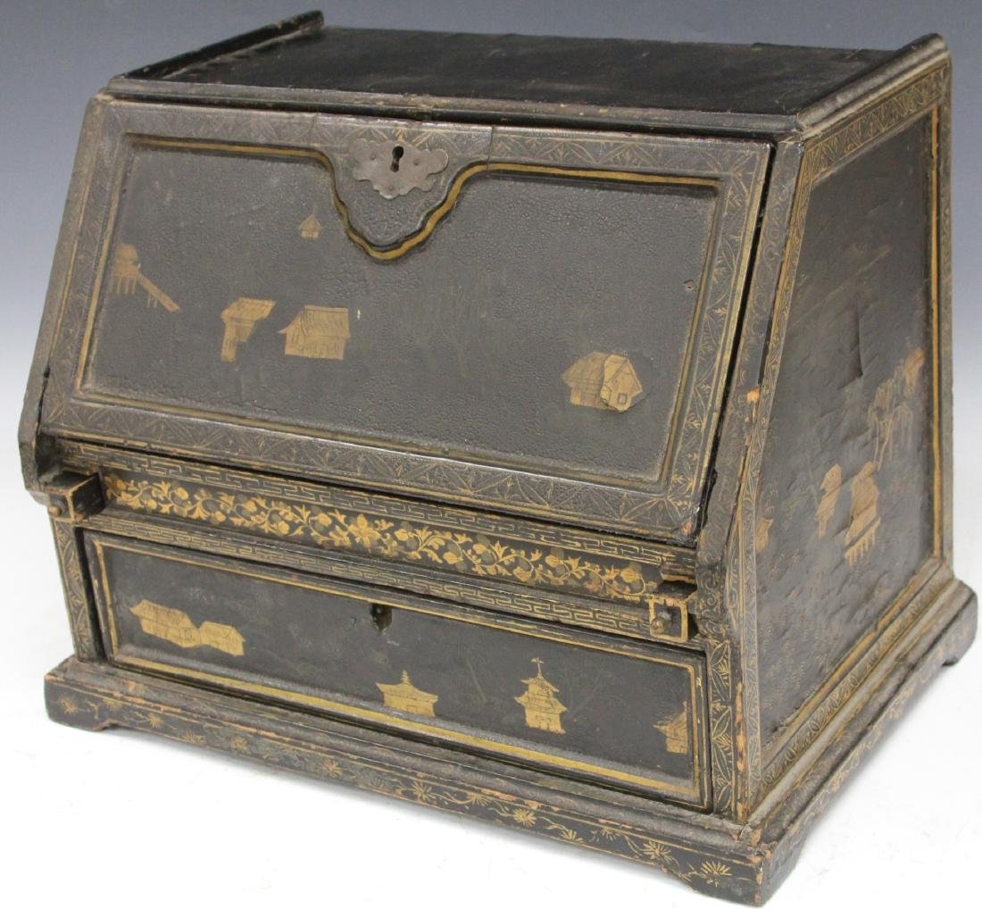 18TH C. CHINESE LACQUERED TABLE TOP DESK