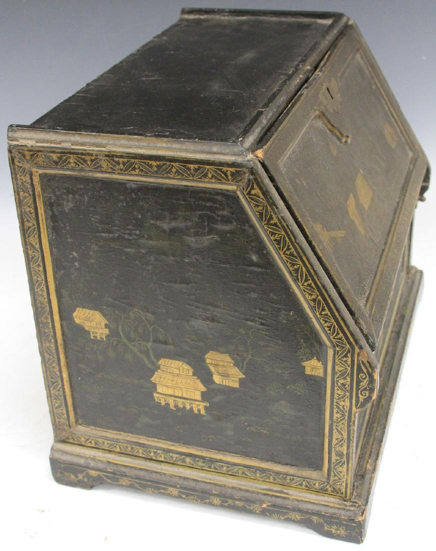 18TH C. CHINESE LACQUERED TABLE TOP DESK - 4