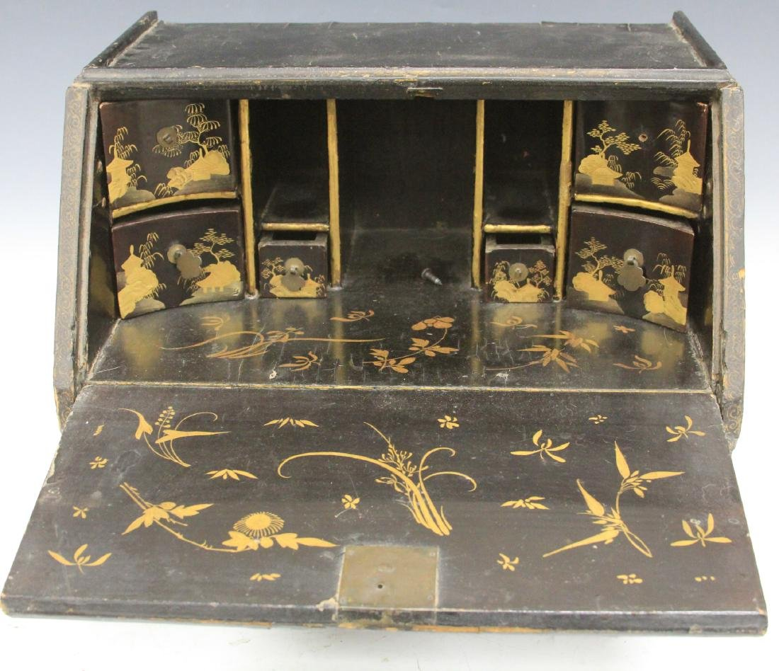 18TH C. CHINESE LACQUERED TABLE TOP DESK - 6