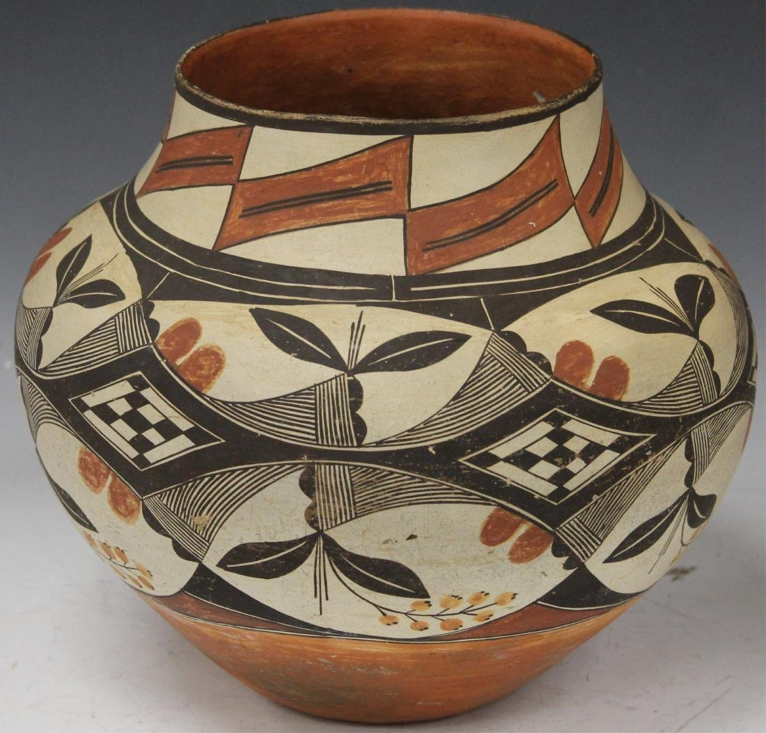 ACOMA PAINTED JAR, CLARENCE HENRY COLLECTION
