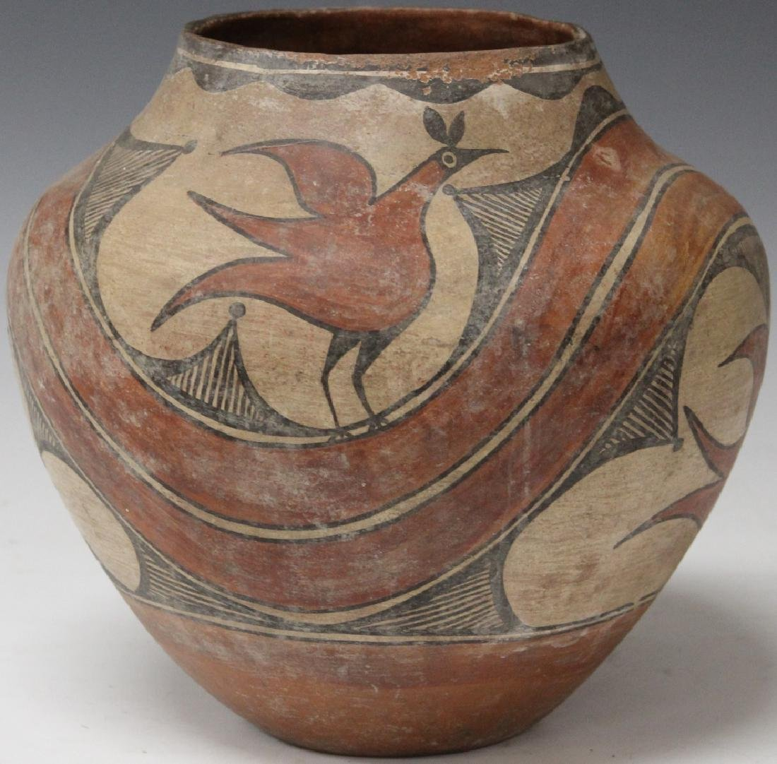 POLYCHROME NATIVE AMERICAN POT, C. 1939
