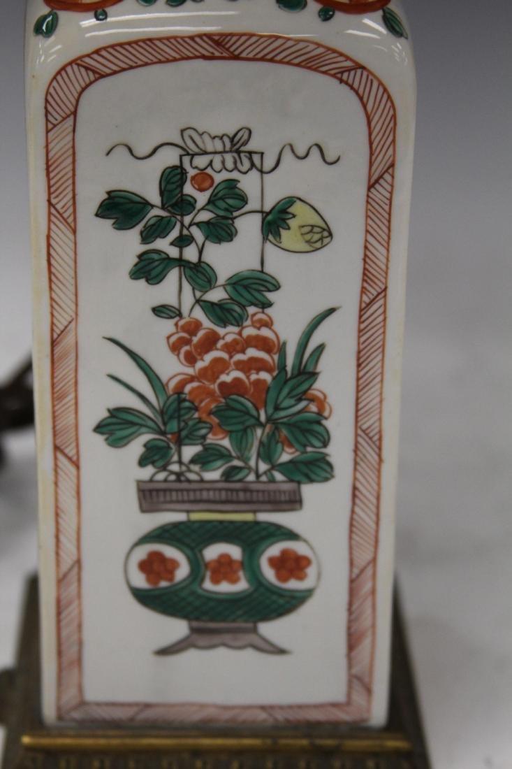 VINTAGE JAPANESE PORCELAIN LAMP - 2