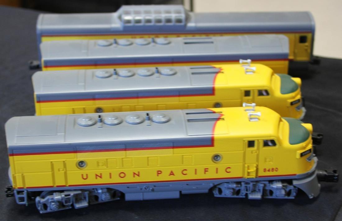 LIONEL UNION PACIFIC TRAIN SET, (4) PCS.