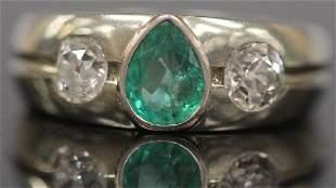 LADY'S DIAMOND & EMERALD 20KT GOLD RING
