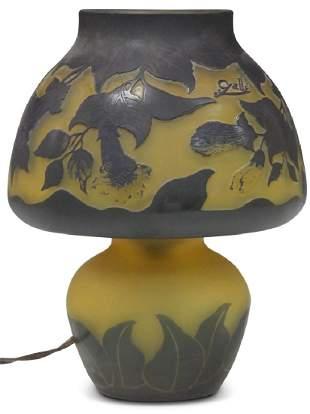 CAMEO ART GLASS LAMP 11 H