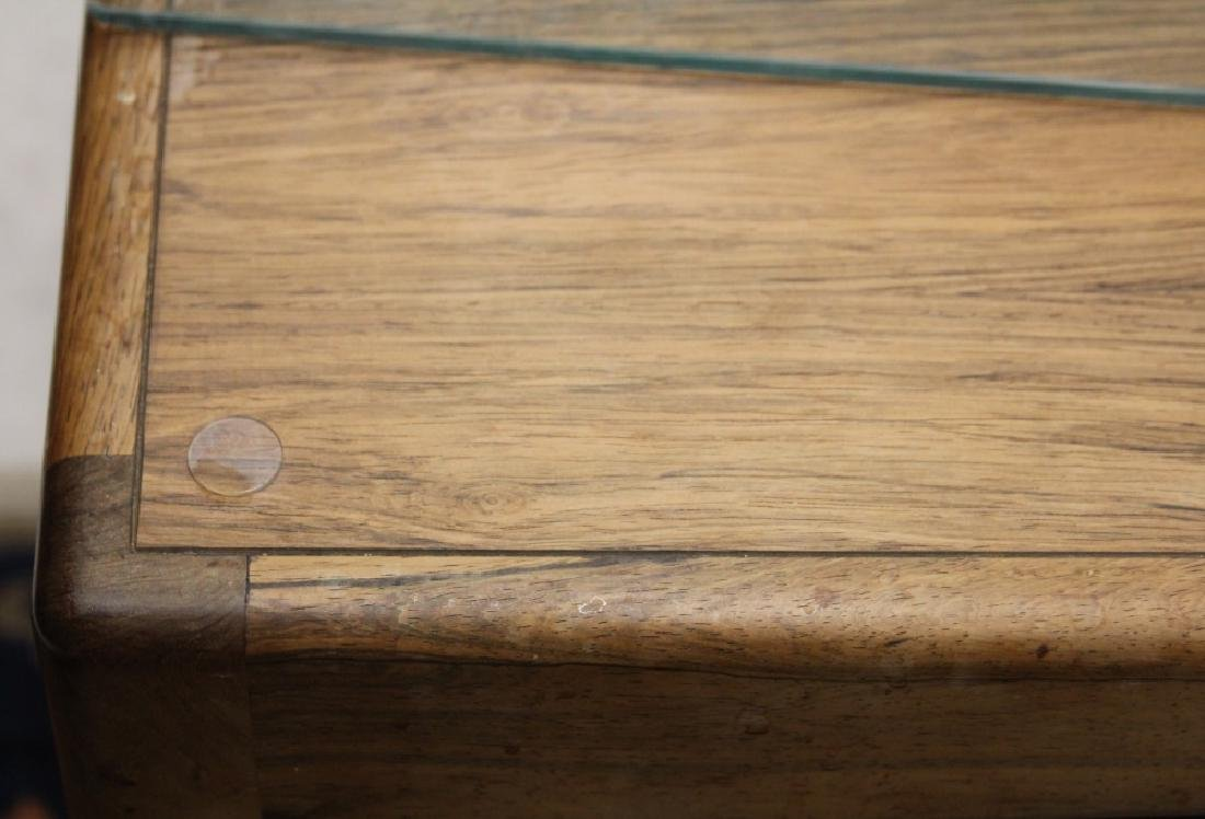 MID-CENTURY ROSEWOOD DINING TABLE - 3