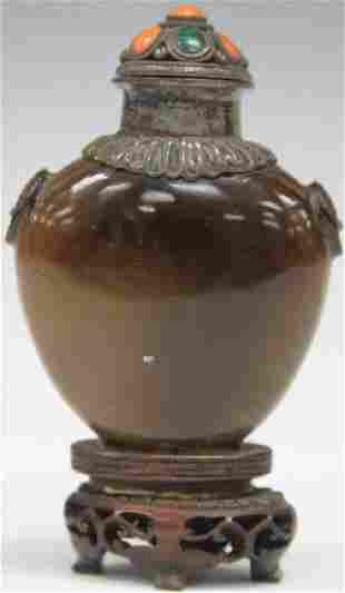 EARLY CHINESE CARVED AGATE SNUFF BOTTLE