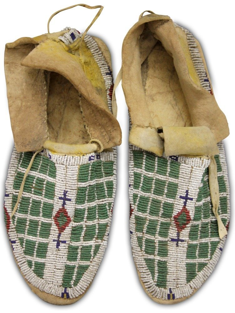 PAIR OF NATIVE AMERICAN BEADED MOCCASINS, 19TH C.