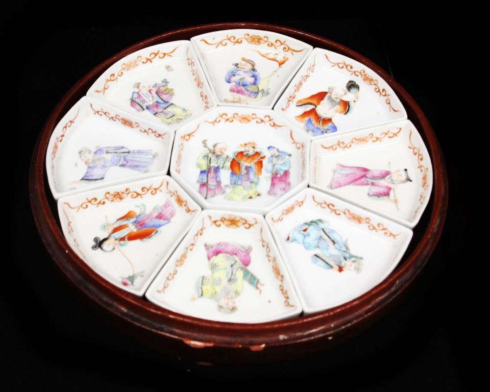QING DYNASTY PAINTED PORCELAIN SWEET MEAT DISH SET