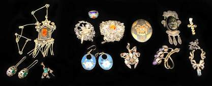 LOT 13 PCS OF VINTAGE JEWELRY SOME SILVER