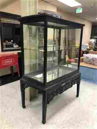 VINTAGE CHINESE STYLE DISPLAY CASE