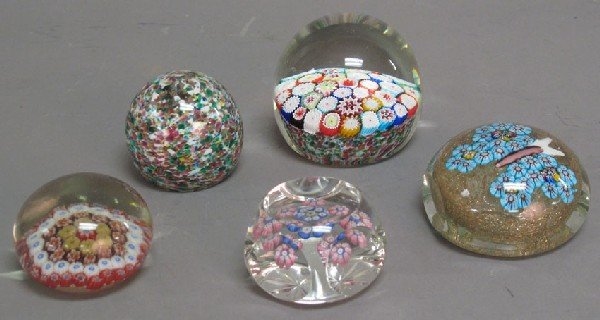 4: GROUPING OF (5) 20TH CENTURY PAPERWEIGHTS including