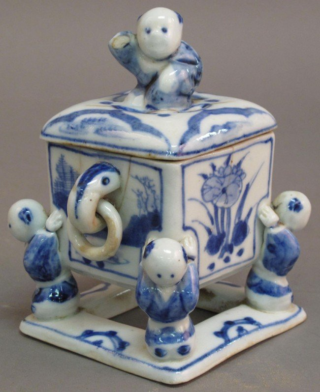 4: EARLY CHINESE BLUE AND WHITE INCENSE BURNER  note: s