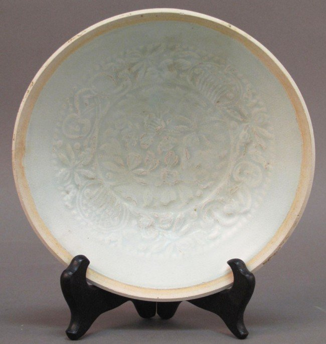 10: SONG DYNASTY PLATE with floral decoration  diameter