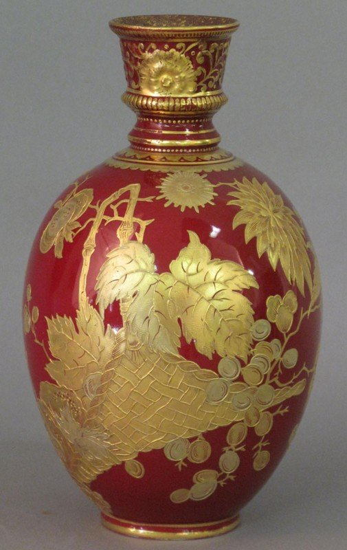 """501: FINE VICTORIAN GOLD LEAF PAINTED VASE height: 8"""" m"""