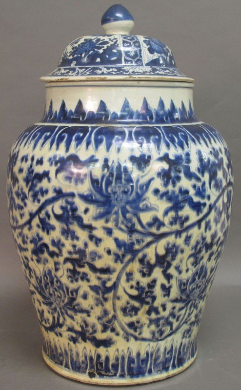 28: MING-CHING DYNASTY BLUE AND WHITE STORAGE JAR with