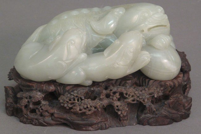 90: WHITE JADE FIGURAL CARVING with cubs and foo dog le