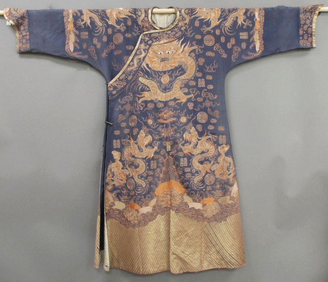 151: CHINESE 19TH CENTURY ROBE with (11) Dragons