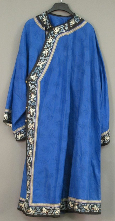 152: CHINESE EMBROIDERED SILK ROBE circa 1890-1910