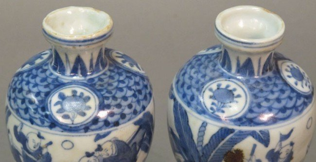 350: PAIR OF BLUE AND WHITE PORCELAIN VASES height: 6 1 - 5