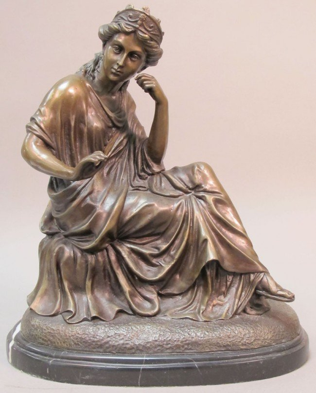 1013: BRONZE FIGURE OF CLASSICAL FIGURE OF WOMAN height
