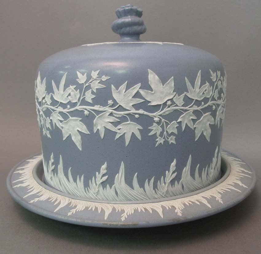 1006: JASPER WARE COVERED CAKE DISH with underplate lat