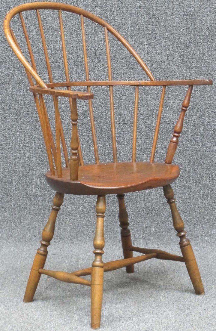 98: EARLY 19TH CENTURY WINDSOR COMBBACK ARM CHAIR heigh
